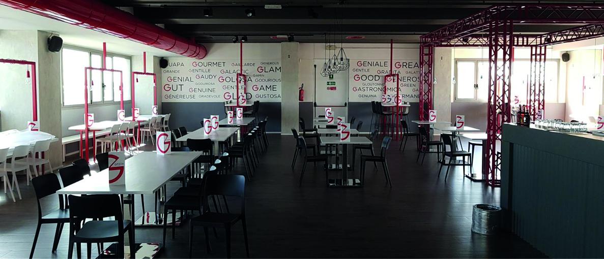 Le pellicole adesive intagliate un idea per decorare - Tecnica per decorare pareti ...